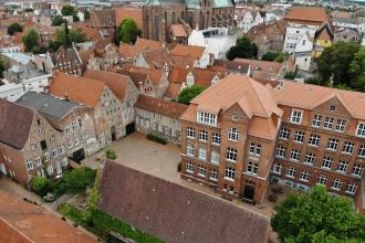 Die Gebäude und das Gelände
