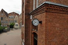 Die von der Schülerschaft gewählte und vom Schulverein finanzierte Uhr