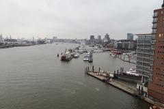 Der berühmte Blick über die Elbe, bevor man auf die Plaza kommt
